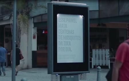 В Бразилии создали билборды, убивающие комаров