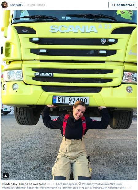 Самая привлекательная пожарная в мире