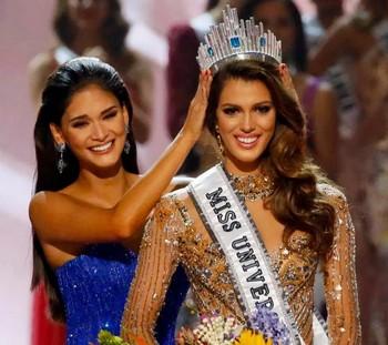 """В конкурсе """"Мисс Вселенная"""" победила француженка"""