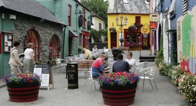 Жителям ирландского городка по ночам звонят и требуют секса по телефону