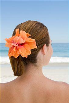 Цветочное украшение для волос