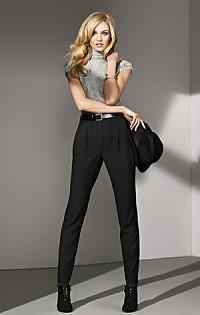 Как выбрать женственные брюки?
