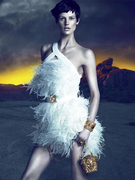 Осенняя рекламная кампания Versace