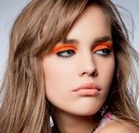 Яркие контрасты в макияже