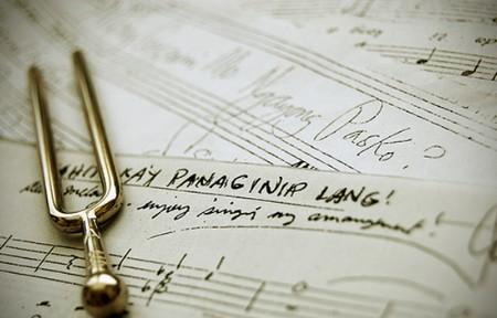 где можно найти все песни из м ф анастасия: