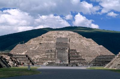 Цивилизацию ацтеков уничтожил сальмонеллез, занесенный испанцами