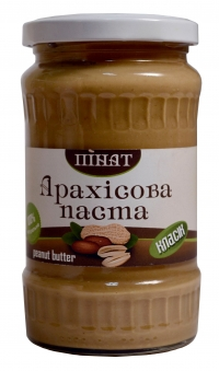 Полезный завтрак с арахисовой пастой