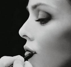 Контур губ: тонкая работа
