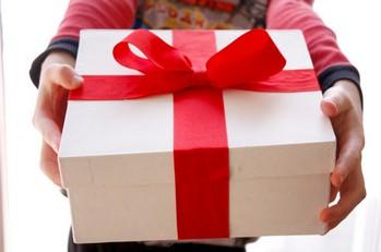 Подарки для девушек и женщин в надежном интернет магазине