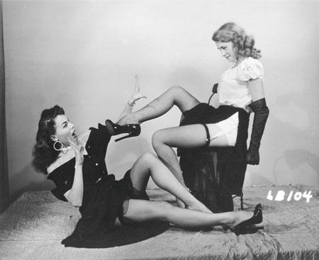 Эротизм женских ног