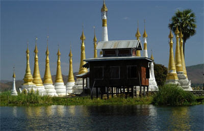 монастырь Нгафечонг (Бирма)