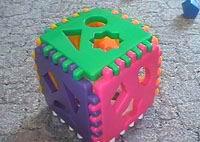 Развивающий кубик с фигурами - учимся играть