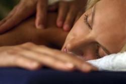 Эро-массаж: наслаждение от прикосновений