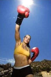 Женщины имеют право боксировать