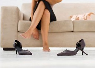 Почему ходить босиком полезно?
